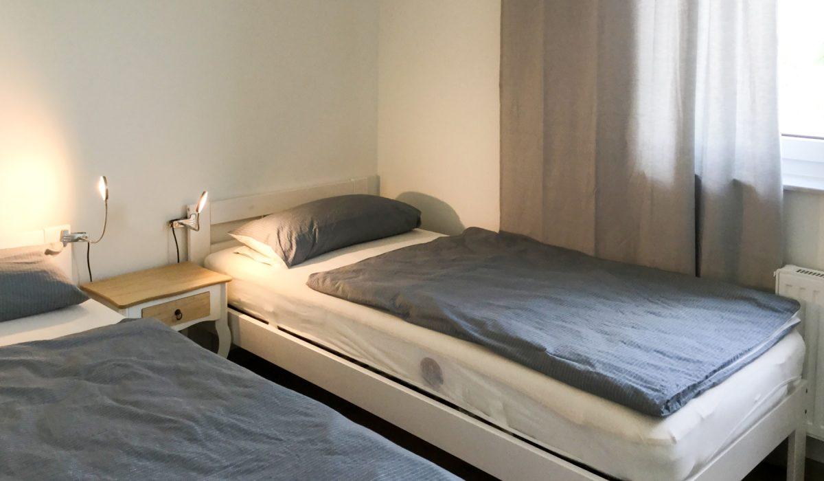 Schlafzimmer mit 90x200 Betten