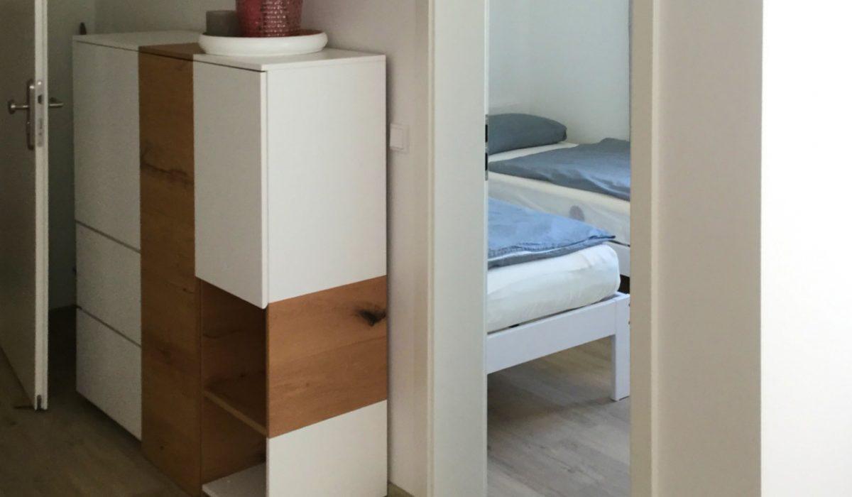 Flur mit Blick auf Schlafzimmer